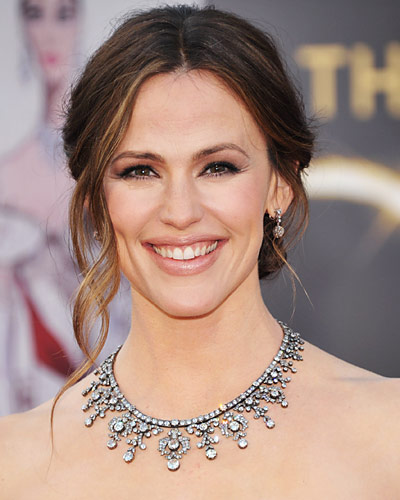A Definitive Ranking of Jewels at the Oscars (and Their ...